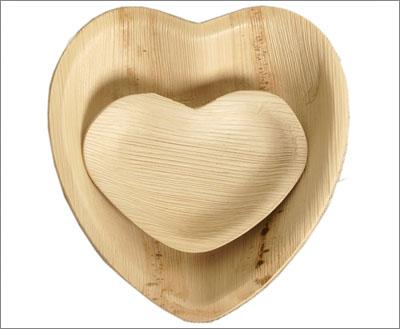 Heart-shaped Palm Leaf Plates & Disposable Palm Leaf Plates Plates | Eco-gecko.com